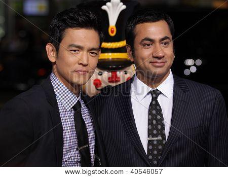 LOS ANGELES - NOV 02:  John Cho & Kal Penn arriving to