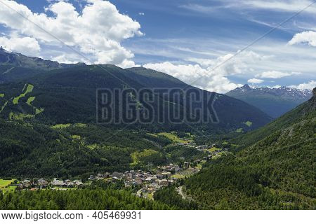 Mountain Landscape Along The Road To Stelvio Pass, Sondrio Province, Lombardy, Italy, At Summer. Vie