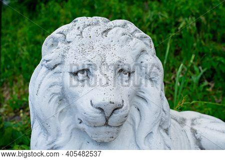 Sculpture Of A Lion. Lion Statue. Lion Architecture Animal White Sculpture