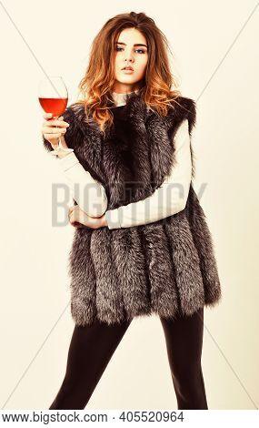 Girl Enjoy Luxury Lifestyle Attributes. Woman Drink Wine Wear Luxury Fur Clothing. Luxury Winery Con