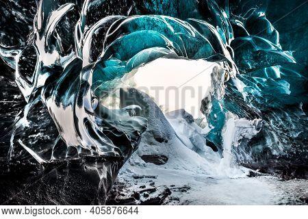 Ice Cave. Magnificent Glacier Formation. Gorgeous Beauty of Icelandic Nature. Skaftafell. Vatnajokull. Iceland