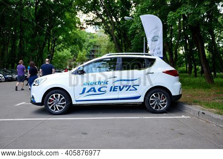 Kyiv - May 26: The Jac Iev7s Electric Car From China Is On Plug-in Ukraine 2019 - Electric Vehicles