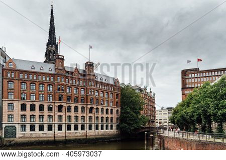 Hamburg, Germany - August 4, 2019: Cityscape Of Hamburg With Canal And St. Nicholas Memorial Tower O