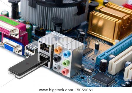 Compact Information Storage Unit - Usb Drive