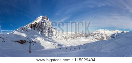 The Wendenstoecke in Switzerland are a multi-summited mountain of the Uri Alps, overlooking Gadmen in the canton of Bern. Westward view from Jochstock.