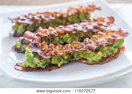 Bacon And Guacamole Sammies