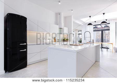 Modern And Light Kitchen
