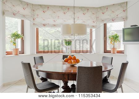 Cosy And Stylish Eating Room
