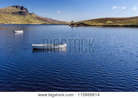 The Old man of Storr over Loch Leathan