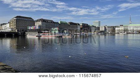 The Inner Alster Lake (binnenalster), Hamburg, Germany