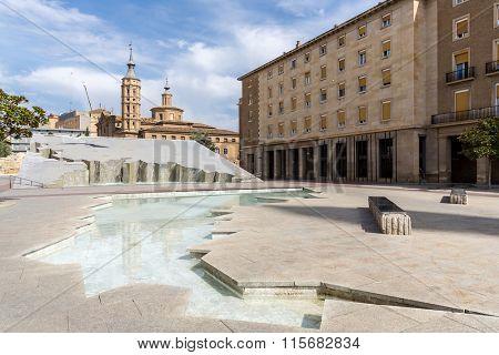 City center of Zaragoza at Plaza deNtra Sra del Pilar
