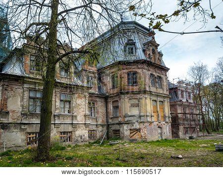 Sobanski Palace Ruins, Guzow, Poland