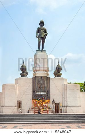 Statue Of Rama Vi At The Entrance To Lumpini Park In Bangkok, Thailand