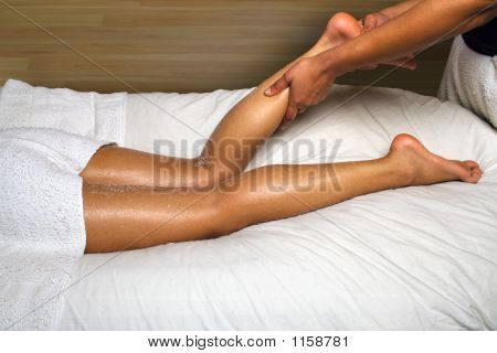 Day Spa Calf And Foot Massage