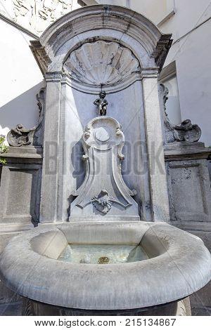 BRUSSELS 6 May 2016 - Manneken Pis fountain in Brussels
