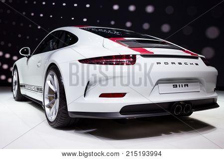 New 2017 Porsche 911 R Sports Car