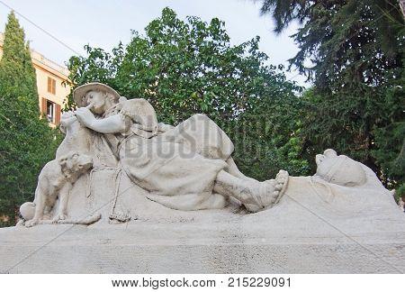 Sculptures With Animals