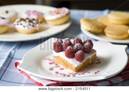 Table With Small Cupcakes
