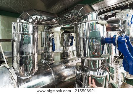 Industrial refrigerating machine, system of heat-insulated pipelines. Industrial cooling of liquids and gases.