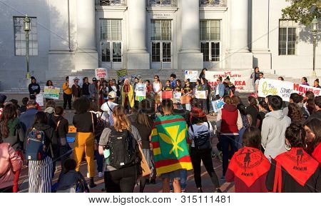 Berkeley, Ca - July 19, 2019: Unidentified Protestors At Sproul Plaza, Protesting In Solidarity With