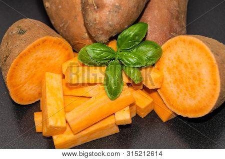 Yam The Orange Sweet Potatoe Ipomoea Batatas
