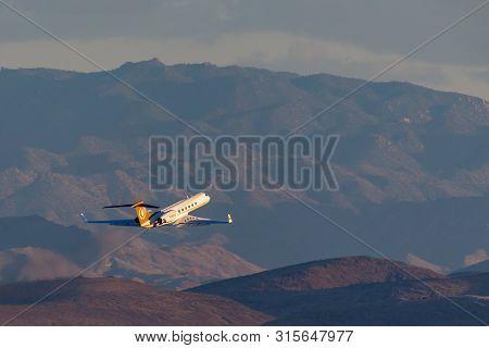 Las Vegas, Nevada, Usa - May 7, 2013: Gulfstream G-v Luxury Business Jet N168ce Departing Mccarran I