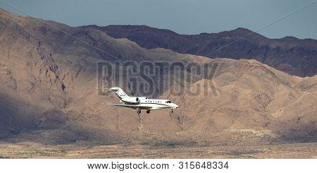 Las Vegas, Nevada, Usa - May 6, 2013: Cessna 750 Citation X Luxury Business Jet N750vp On Approach T