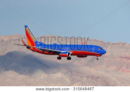 Las Vegas, Nevada, Usa - May 6, 2013: Southwest Airlines Boeing 737 Airliner On Approach To Land At