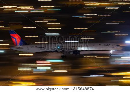 Las Vegas, Nevada, Usa - May 5, 2013: Delta Air Lines Boeing 757 Airliner On Approach To Land At Mcc