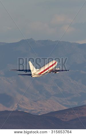 Las Vegas, Nevada, Usa - May 8, 2013: Boeing 737 Operated By Defense Contractor Eg&g (janet Airlines