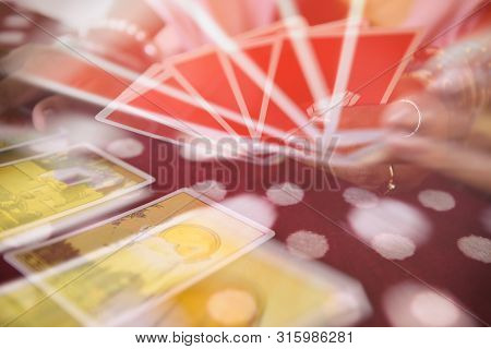 Tarot Cards Reading Divination / Psychic Readings And Clairvoyance Fortune Teller Hands Concept , Wi