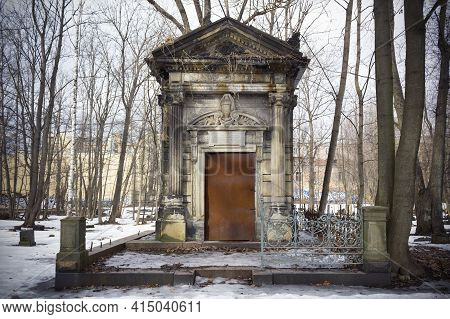 Crypt Of Horwitz Family, Large Stone Tomb Among Snow And Bare Trees - Smolenskoe Lutheran Cemetery,
