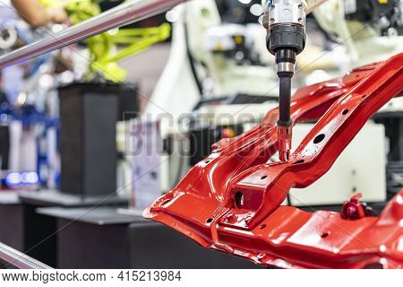 Electrode Gun Holder Or Mig Welding Torch And Tip Simulated Path Of Weld By Robot For Assembly Body
