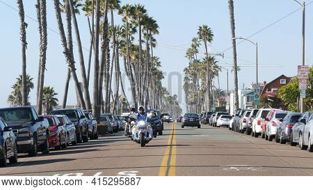 Oceanside, California Usa - 16 Feb 2020: Cars And Biker Men On Motorbikes, Waterfront Road. Pacific