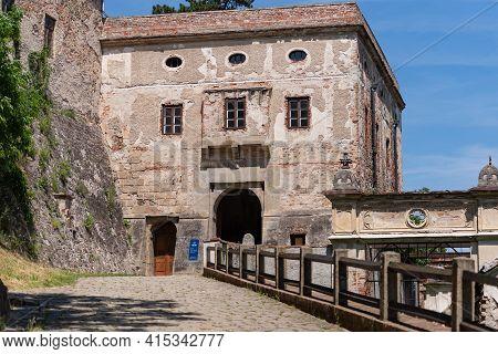Veverji Castle. Czech. Summer 2019. Veveri Castle Is Located In The Czech Republic. Bridge Leading T