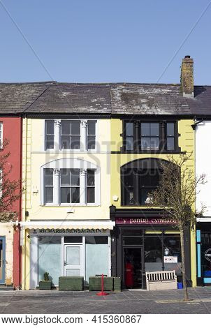 Caernarfon - Wales - March 30 2021 : Elegant Old Fashioned Architecture In This Historic Royal Town.