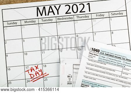 Internal Revenue Service (irs) Has Extended The Deadline For Filing Us Federal Income Tax Until May