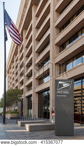 Washington Dc, Usa 11-02-2020:  Exterior View Of The Headquarters Of The United States Postal Servic