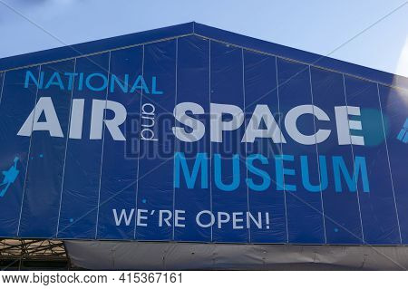 Washington Dc Usa 11-02-2020: Exterior View Of The National Air And Space Museum In National Mall. T