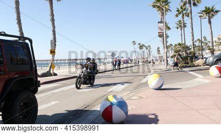 Oceanside, California Usa - 8 Feb 2020: People Walking, Waterfront Promenade Near Pier, Pacific Ocea