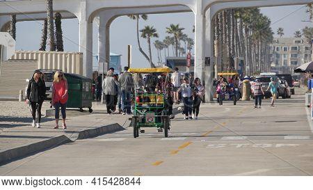 Oceanside, California Usa - 8 Feb 2020: People Walking On Waterfront Promenade, Beachfront Boardwalk