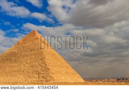 Pyramid Of Khafre Or Of Chephren Is The Second-tallest And Second-largest Of The Ancient Egyptian Py