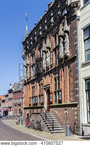Kampen, Netherlands - April 22, 2020: Stairs In Front Of The Historic Town Hall Building In Kampen,