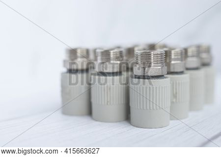 Combined Couplings For Connecting Metal And Polypropylene Water Pipes