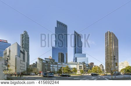 New York, Usa - October 21, 2015:  Streetview At Columbus Square Seen From Cental Park, New York Wit