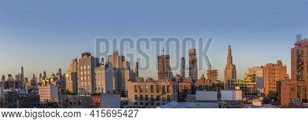 New York, Usa - October 20, 2015: Skyline Of New York In Sunset Seen From Brooklyn. Brooklyn Is The