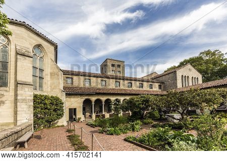 New York, Usa - October 22, 2015:   People Visit The Sanctuary At The Cloisters Museum In New York,