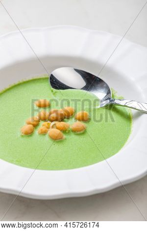 green peas soup with fried peas