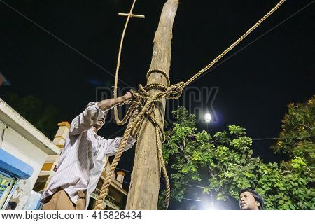 Howrah, West Bengal, India - 15th April 2019 : Holy Wood Being Erected During Gajan And Charak Puja