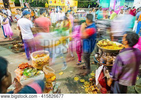 Howrah, West Bengal, India- April 14th 2019 : Chotpoti And Velpuri, Roadside Indian Bengali Food Dis